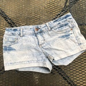 Mossimo size 5 shorts tribal bleach festival small